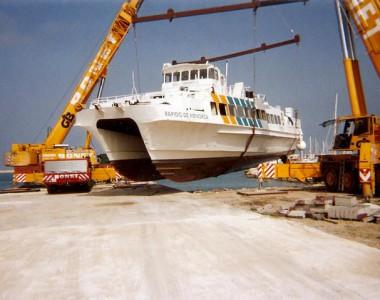 Desguace de 4 barcos pesqueros en el varadero de Denia